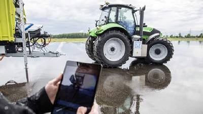 ZF present� un tractor que se controla desde una tablet
