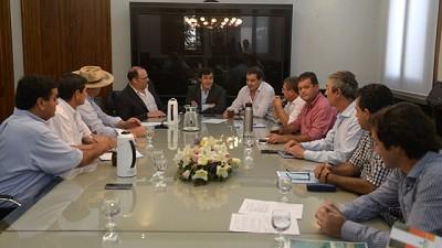 Naci�n, provincia y municipios de Misiones trabajan para fortalecer al sector yerbatero